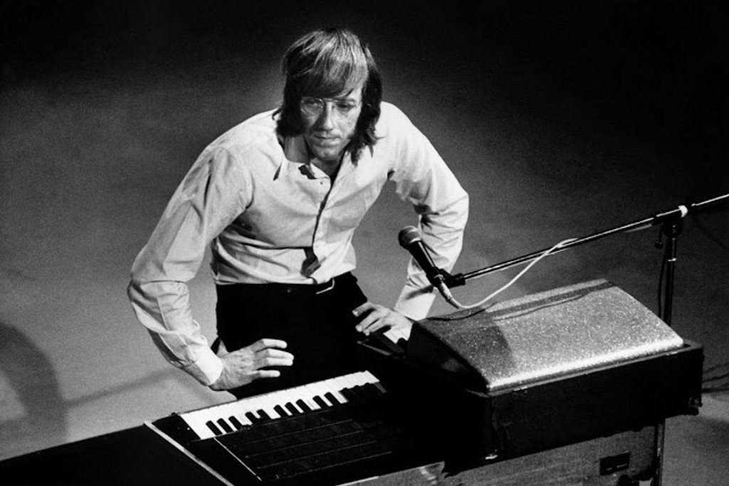 Five Songs To Remember The Doors' Ray Manzarek