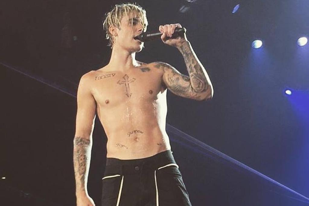 Awkward moment Justin Bieber forgets the lyrics to Spanish hit 'Despacito'