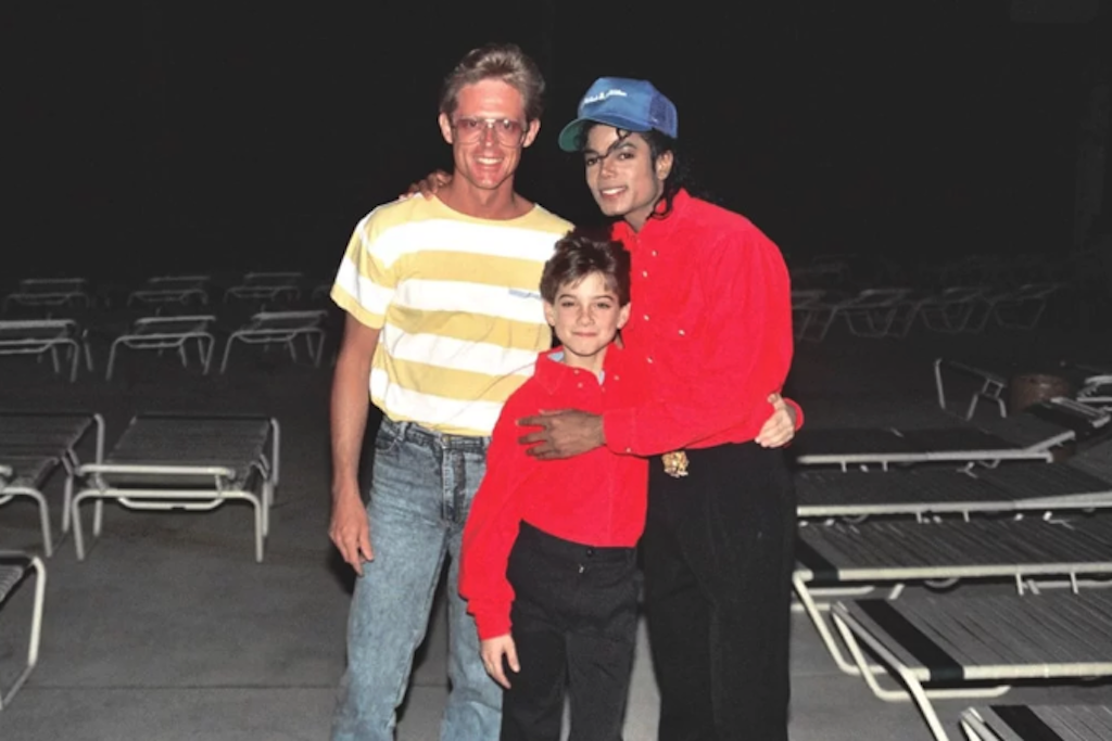 Jimmy Safechuck (centre) and Michael Jackson. Photo by Alan Light/Creative Commons.